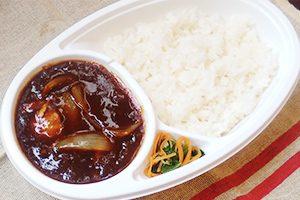 画像:牛バラ肉のカレー弁当